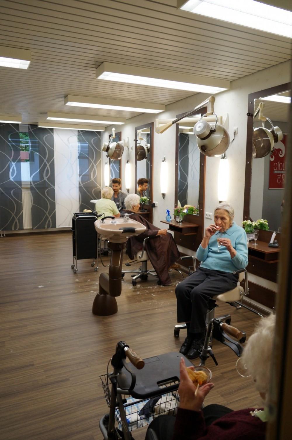 sektempfang haus gehrden studio 25 ihr friseur in barsinghausen. Black Bedroom Furniture Sets. Home Design Ideas
